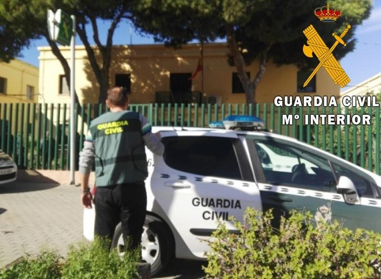 Se enfrenta a los agentes de la Guardia Civil cuando lo iban a arrestar por un intento de agresión sexual